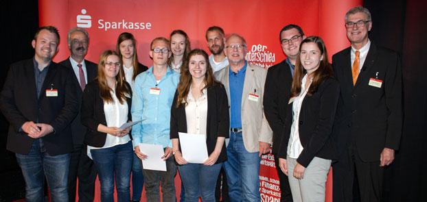 """Auf Platz 10 """"Team MyReader"""" mit den erfolgreichen BKB-Unternehmern (von links) Myriam Röttgers, Franziska Tubes, René Hürter, Birte Schulte-Bocholt und Marie Wanning."""