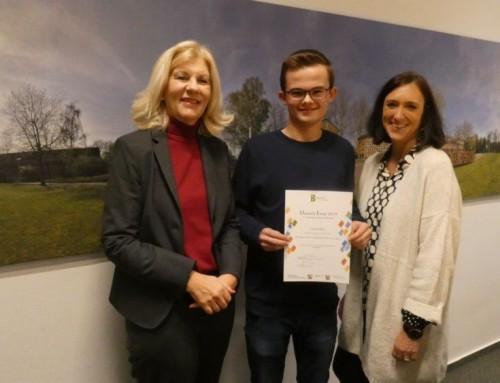 Essaywettbewerb der Berkenkamp Stiftung – Lukas Edeler vom Wirtschaftsgymnasium des Berufskollegs Borken unter den Besten